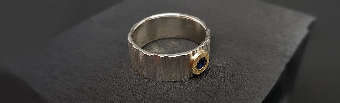 slide01-silver ring w sapphire